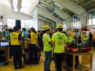 FRC teams queuing up for competition, Duel on DE 2014